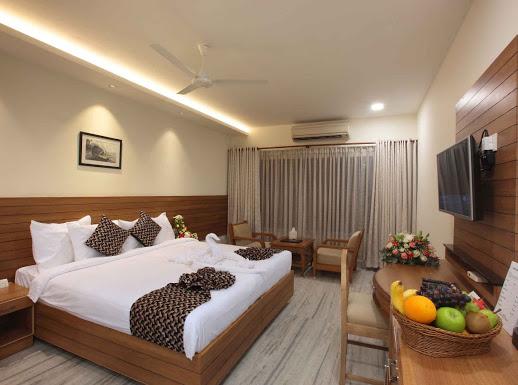 Hotel Anjali Park, 3 STAR HOTEL,  service in Thirunakkara, Kottayam